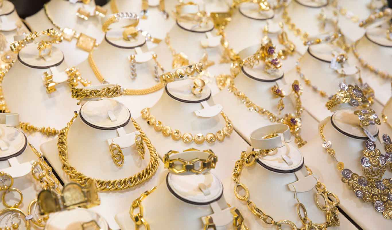 Here's how to buy jewellery for your friend based on her personality