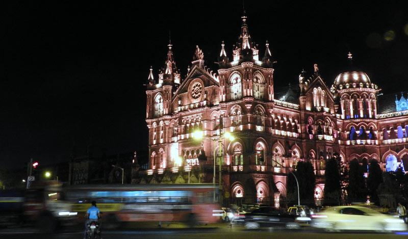 CST Station - Mumbai Dabbawallas