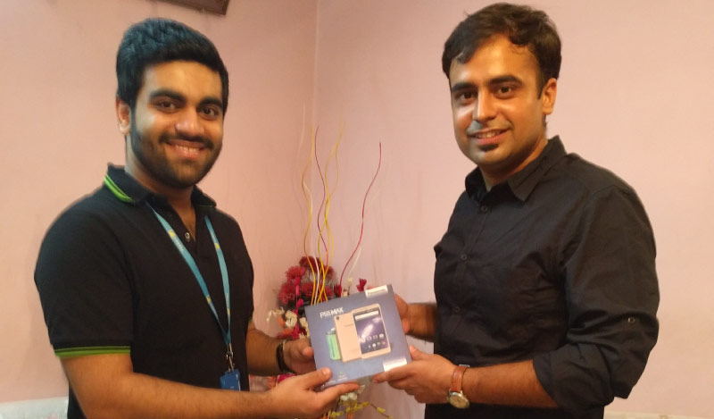 Flipkart Customer Connect - Karan Sahani (R) with Flipster Rachit Chaudhary