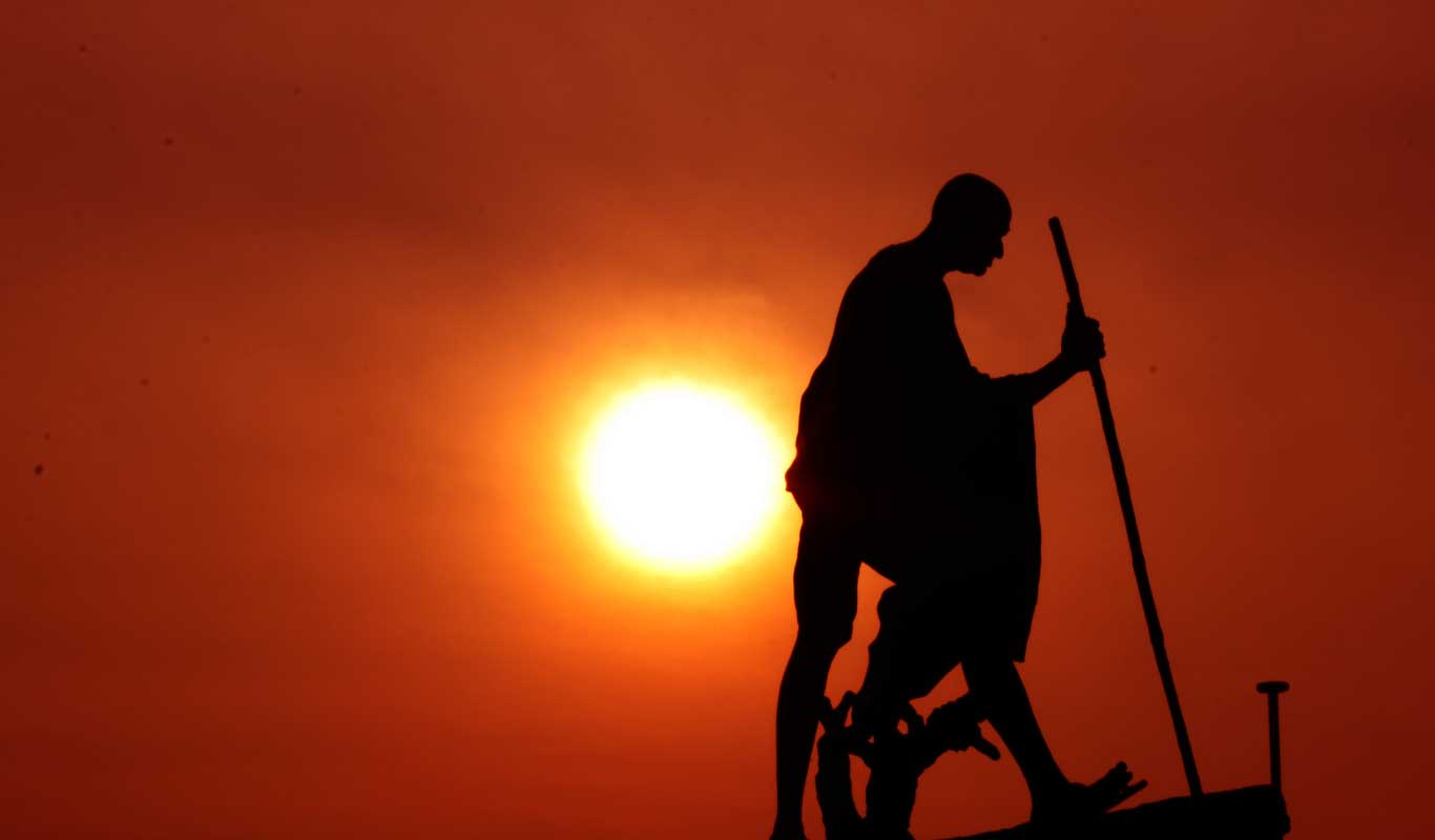 5 inspiring books about Gandhi and Shastri