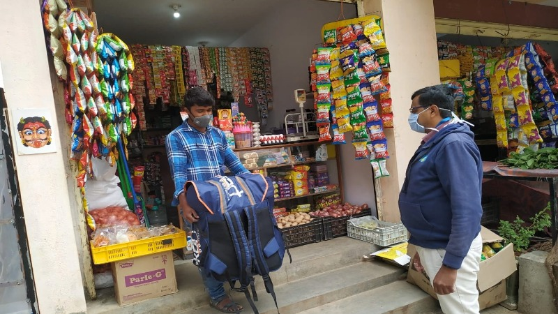 Harish, kirana store owner in Bengaluru, participates in the Big Billion Days 2020